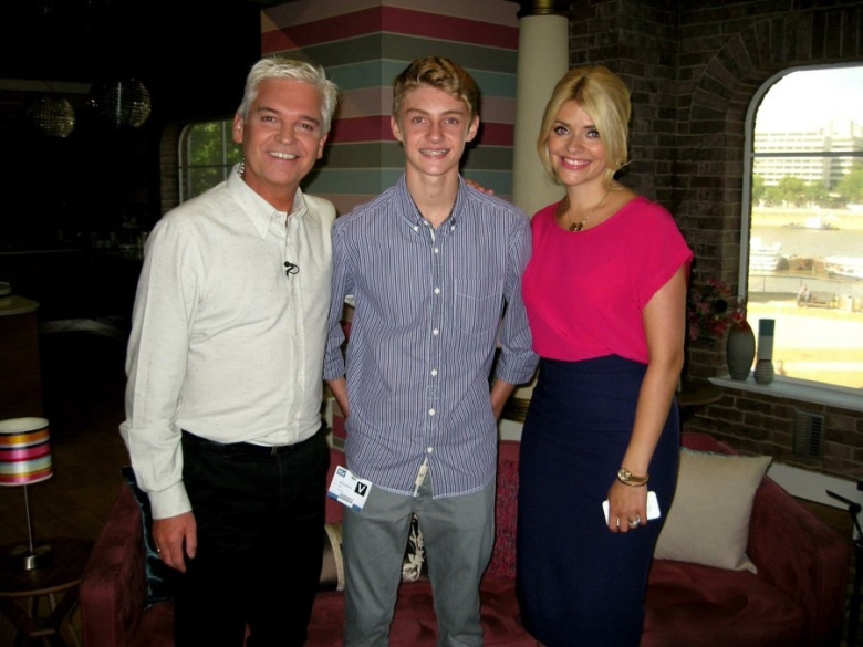 Joe Wilmot meeting Phillip & Holly on the set of This Morning
